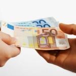 fináncváltó-pénzkölcsön